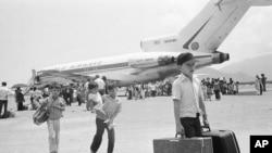 Di tản từ Nha Trang vào Sài Gòn những ngày cuối cuộc chiến Việt Nam, 1975.