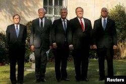 از راست مایک پنس، مایک پمپئو، رابرت اوبرایان مشاور امنیت ملی کاخ سفید، جیمز جفری نماینده ویژه آمریکا در امور سوریه و دیوید ساترفیلد سفیر آمریکا در ترکیه