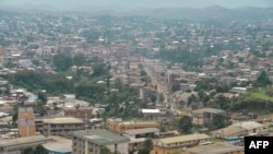 Vue sur la ville de Bamenda,la capitale anglophone du Cameroun, le 16 juin 2017.