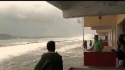2012-08-26 美國之音視頻新聞: 艾薩克吹襲美國佛羅里達州