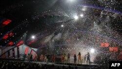 Đêm chung kết giải Latin Grammy lần thứ 11, Thứ Năm 11/11/2010 tại Las Vegas