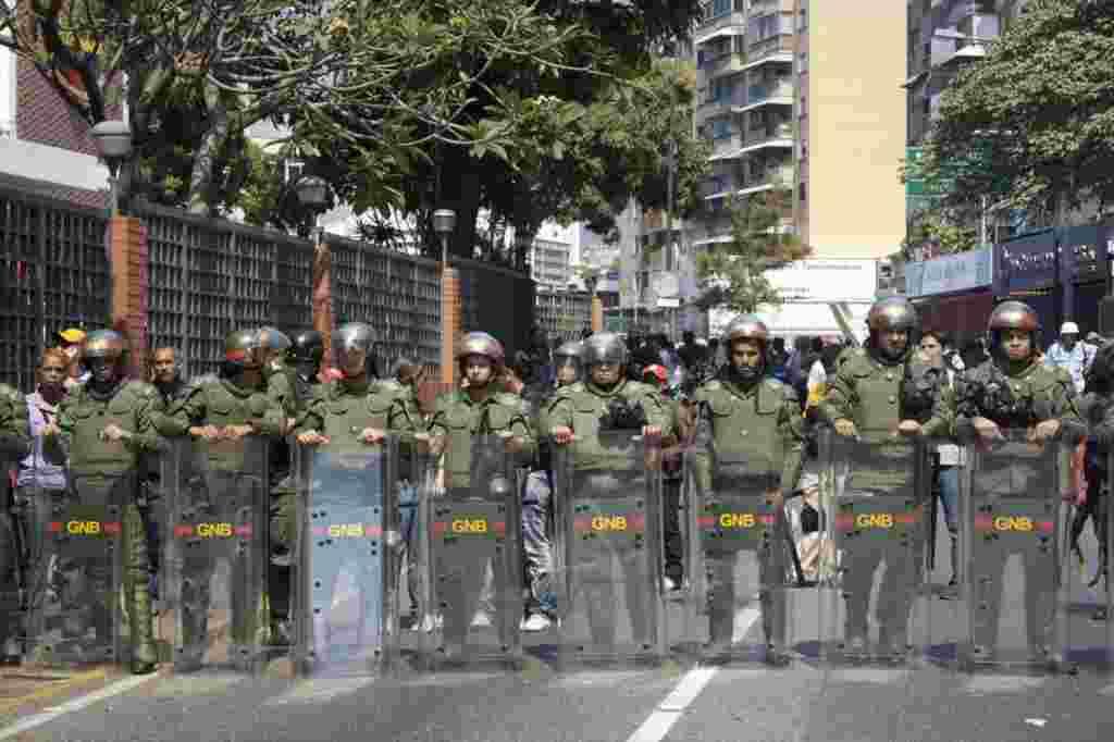 En Venezuela el gobierno ha utilizado las instituciones del país para bloquear en muchas ocasiones la libertad de prensa.