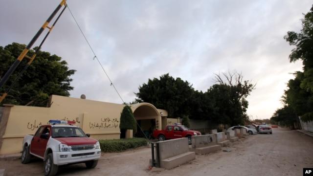 极端分子控制美国驻利比亚大使馆居住区