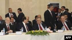 Правительство Ирака, в центре Нури Малики и Джалал Талабани