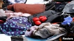 Sepasang sepatu bayi berwarna merah ini termasuk di antara barang-barang yang diduga milik penumpang pesawat Lion Air nomor penerbangan JT610 yang jatuh di pelabuhan Tanjung Priok, Jakarta, Senin 29/10.