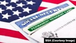 Những người có thẻ xanh mà chưa phải công dân Mỹ vẫn có nguy cơ bị trục xuất.