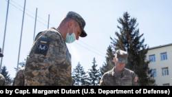 Фото: генерал-майор США Тейбор під час зустрічі з українським військовим керівництвом