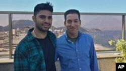 گلن گرینوالد (راست) و دوست پسرش دیوید میراندا (چپ)