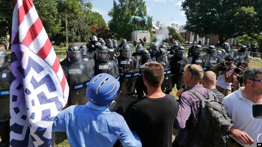 Gjendja e jashtëzakonshme në Virxhinia pas protestave të dhunshme