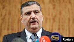 3일 스위스 제네바에서 유엔의 중재로 진행 중이던 시리아 평화회담이 일시 중단된 가운데, 반정부 측 리아드 히자브 조정관이 기자회견에서 입장을 밝히고 있다.