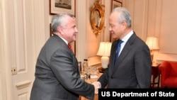 美國代理國務卿4月4日於美國國務院迎接中國駐美大使崔天凱。