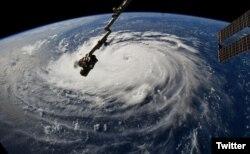 """ქარიშხალი """"ფლორენცი"""" საერთაშორისო კოსმოსური სადგურიდან"""