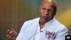 Mike Tyson volvió a decir que le cuesta mantenerse sobrio y que piensa en morir.