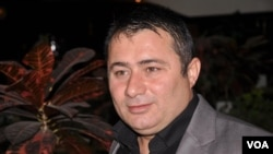 کامهران موحهمهد