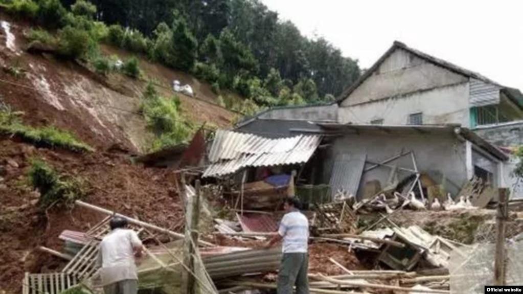 Mưa lũ gây thiệt hại về người, nhà cửa ở các tỉnh miền núi phía bắc Việt Nam.