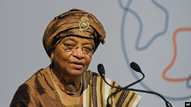 President of Liberia, Ellen Johnson-Sirleaf speaks at the Global Alliance for Vaccines and Immunization conference in London, June 13, 2011 (file photo)