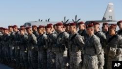 Lữ Đoàn 173 Dù của Mỹ đến căn cứ không quân Siauliai của Lithuania để tham gia các cuộc thao dượt chung với lính dù Ba Lan cùng với những đơn vị khác được bố trí tại ba nước vùng Baltic, ngày 26/4/2014.