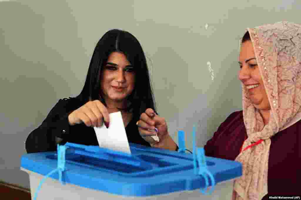 Oy verme işlemleri IKBY sınırları içindeki Erbil, Süleymaniye, Duhok kentlerinin yanı sıra statüsü tartışmalı bölgeler olan Kerkük'te ve Musul'un bazı kasabalarında da yapıldı. Referandum kesin sonuçlarının 48 saat içinde açıklanacağı duyuruldu.