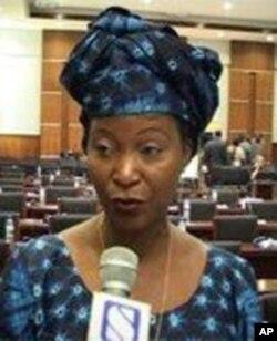 Helena Taípo, Ministra do Trabalho de Moçambique