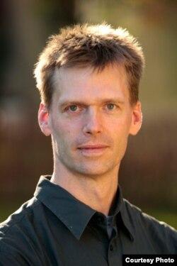 Ian Hurd
