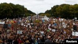 Učesnici masovnog protesta u Berlinu, 20. septembar 2019.