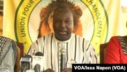 L'opposant Zéphirin Diabré, leader de l'Union pour le Progrès et le Changement (UPC), lors d'une conférence de presse, à Ouagadougou, Burkina, 10 octobre 2017. (VOA/Issa Napon)