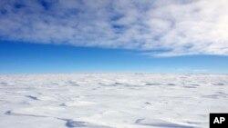 دمای سردترین نقطه منفی ۹۳ درجه سانتیگراد بود.