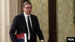 Predsednik Srbije Aleksandar Vučić dolazi na konferenciju medije (foto Fonet)
