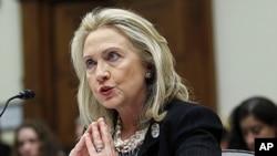 克林頓在眾議院外交事務委員會辯護巴基斯坦和阿富汗政策