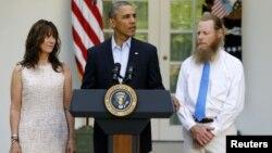 Tan pronto se produjo el canje de prisioneros, el presidente Obama recibió en la Casa Blanca a los padres del sargento Bowe Bergdahl.