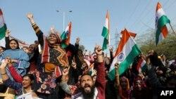 دہلی میں فروری کے آخری ہفتے میں پھوٹنے والے فسادات میں کم از کم 50 افراد ہلاک جب کہ درجنوں زخمی ہو گئے تھے۔ (فائل فوٹو)