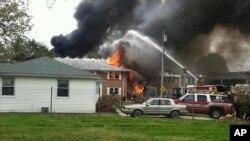 El accidente, ocurrido el pasado viernes en una zona residencial de Virginia, dejó al menos seis heridos.