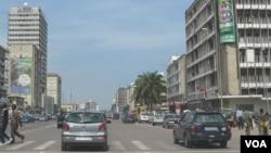 Le boulevard du 30 juin dans Kinshasa