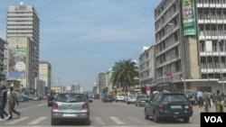 Le boulevard du 30 juin dans Kinshasa VOA/T.Donangmaye