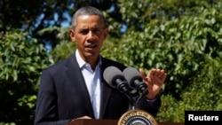 Presiden Barack Obama menyampaikan pernyataannya mengenai Mesir dari Martha's Vineyard, di mana ia sedang berlibur (15/8).