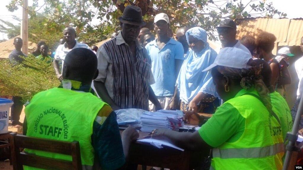 Guiné-Bissau, mesa de voto, 2014
