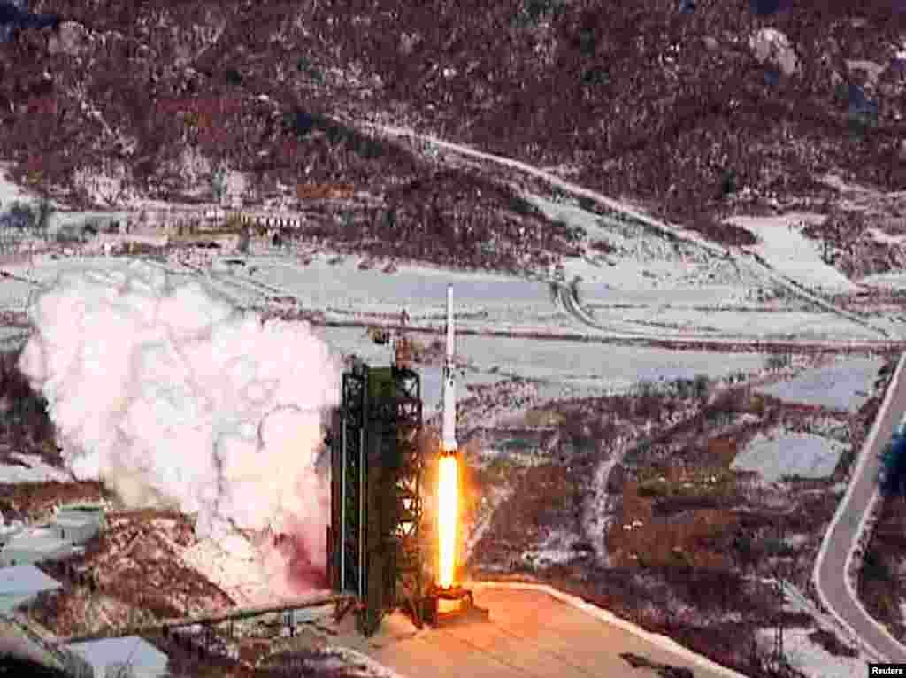 A video grab from KCNA shows the Unha-3 (Milky Way 3) rocket launching at North Korea's West Sea Satellite Launch Site, at the satellite control center in Cholsan county, North Pyongang province December 12, 2012.