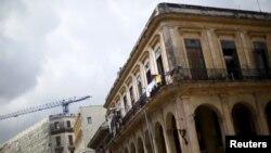 """Konstruksi menjamur di Kuba, bisnis-bisnis Eropa melihat kebijakan AS terhadap Havana sebagai """"peluang untuk masuk."""" (Foto: Dok)"""