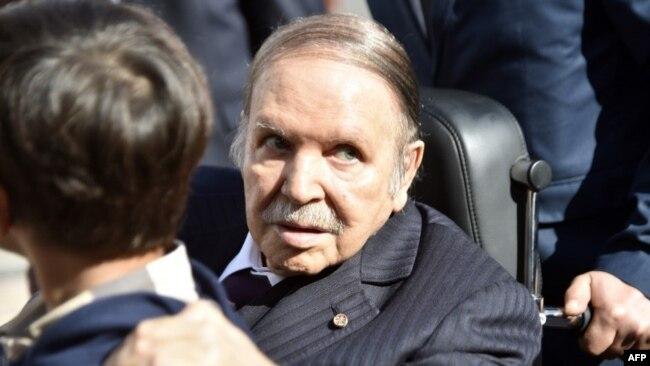 Le président algérien Abdelaziz Bouteflika à Alger, le 23 novembre 2017.