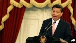 Chủ tịch Trung Quốc Tập Cận Bình phát biểu tại một cuộc họp báo ở Indonesia, ngày 2/10/2013.
