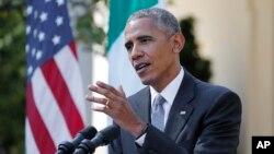 바락 오바마 미국 대통령이 18일 마테오 렌치 이탈리아 총리와 백악관 정상회담 후 가진 공동기자회견에서 질문에 답하고 있다.