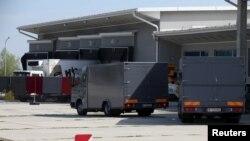 لاشوں کو آسٹریا کے مختلف شہروں میں موجود سرد خانوں میں منتقل کیا گیا ہے۔