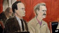 Виктор Бут (справа) в зале суда
