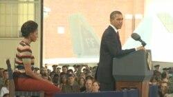 باراک اوباما رئیس جمهوری و میشل اوباما بانوی اول آمریکا در هامپتن، ویرجینیا، ۲۷ مهر ۱۳۹۰ خورشیدی