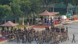 Les troupes chinoises à la frontière de Hong Kong, Trump s'implique