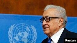 Lakhdar Brahimi a tenté un ultime effort pour sortir les pourparlers de paix de l'impasse, en vain