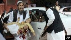 شماری از قربانیان حمله روز جمعه گذشته در لشکرگاه، کودکان بودند.