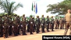 Des soldats tchadiens de la MISCA, la force de l'Union Africaine en Centrafrique le 13 septembre 2014 au camp Mpoko de Bangui, RCA.