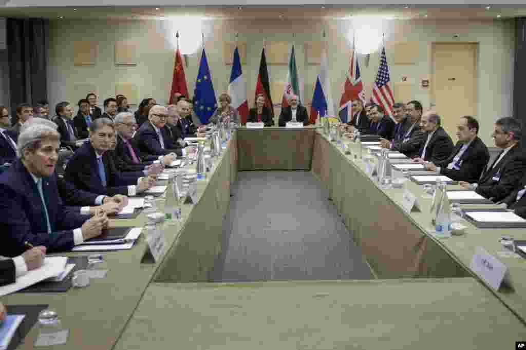 ایرانی مغربی سفارت کاروں کے مطابق ایران اور چھ عالمی طاقتوں کے درمیان ایک دہائی سے زائد عرصے سے رک رک کر جاری رہنے والے مذاکرات کے بعد ایک معاہدہ طے پا گیا ہے۔