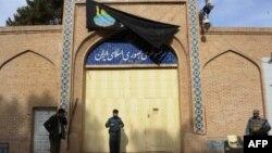 چندی پیش شماری از مردم بر کنسولگری ایران در هرات، حمله کردند